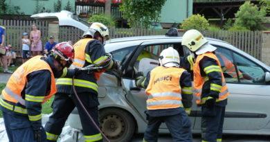 Ukázka vyproštění osob z havarovaného vozidla